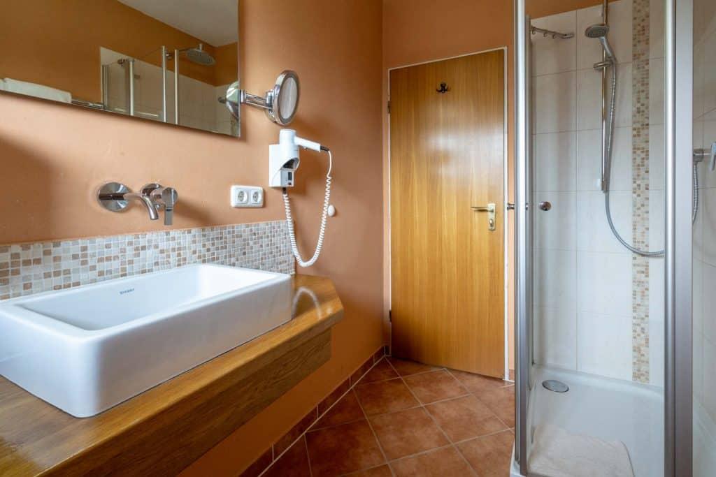 Hotel garni brunnthaler in garmisch partenkirchen am fu e for Komfortzimmer doppelzimmer unterschied