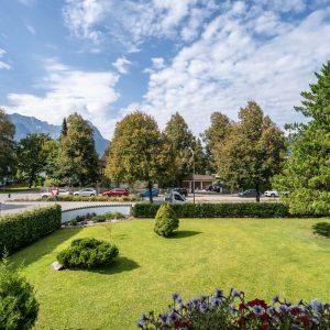 Garten Hotel Brunntahler Alpspitze Hintergrund
