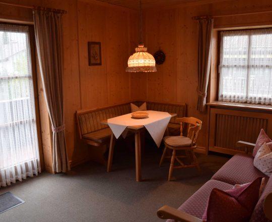 Hotel Ferienwohnungen Brunnthaler Sitzplatz